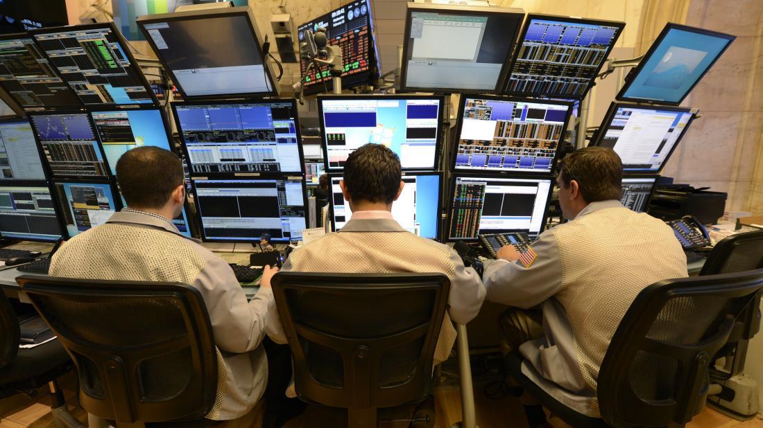 traders-at-terminals